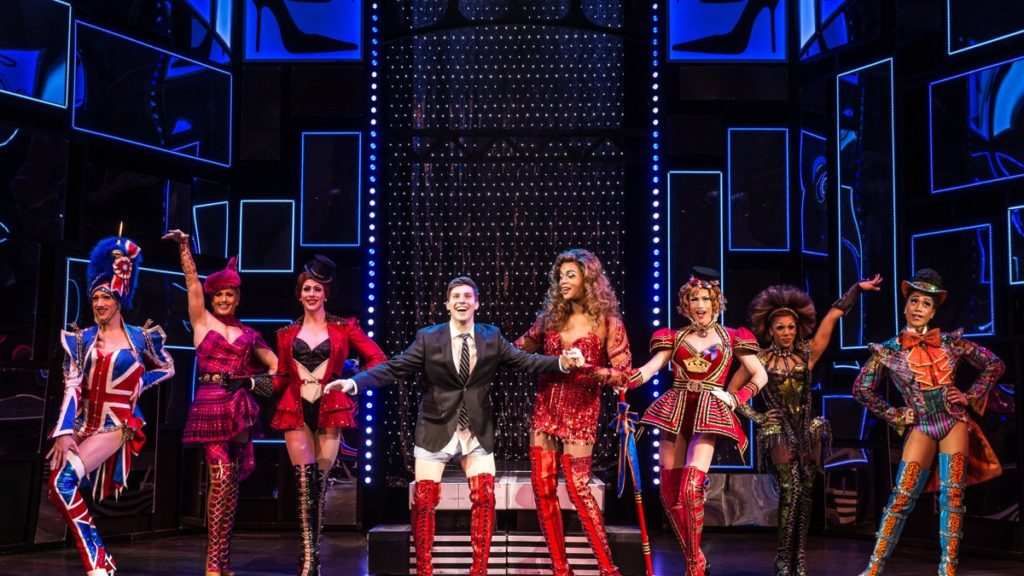 TOUR-Kinky Boots-First Look-2/17